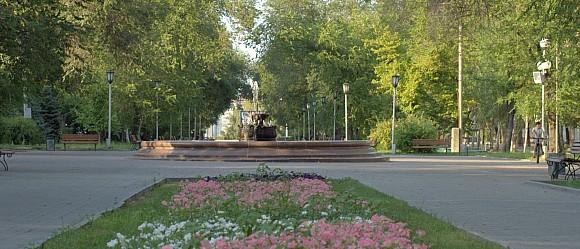 Фонтан расположенный между Педагогическим и техническим университетом