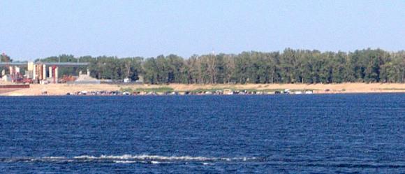 Первый в России пляж для автомобилей