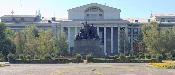 Памятник героям обороны Красного Царицына. Волгоград