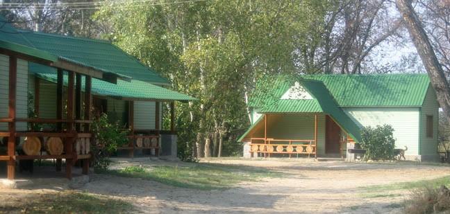"""База отдыха """"Иловля"""" в Волгоградской области, недалеко от трассы Москва-Волгоград, в 10 км от поселка Иловля"""