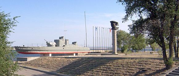 Катер-памятник БК-13