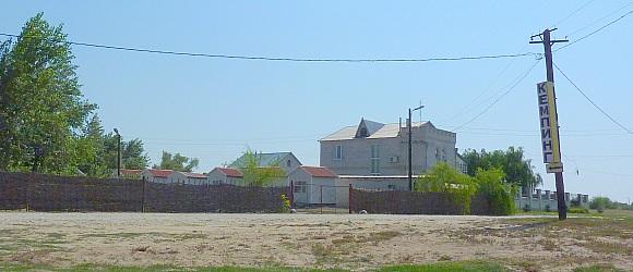 Кемпинг на трассе М6 Москва Волгоград. Рядом река Иловля. 80 км от Волгограда.