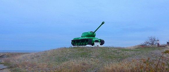 В составе Сталинградского фронта участвовала в контрударе по прорвавшейся к Дону севернее Калача группировке противника.