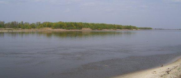 Пляж находится на левом берегу реки Дон в 40 км от Волгограда. Хутор Вертячий