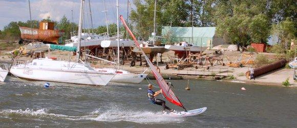 Яхт клуб Море ветра г Волжский. Организация отдыха на яхте, прогулки и круизы под парусом.